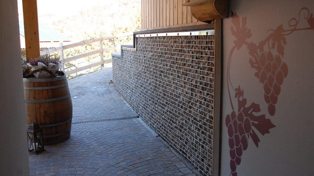 Rivestimento muro cantina