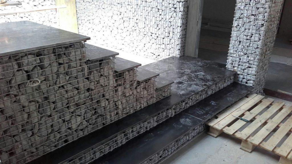 Strutture con ripiani in acciaio