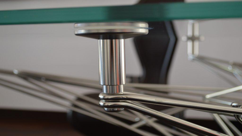 Tavolo in acciaio inox e vetro