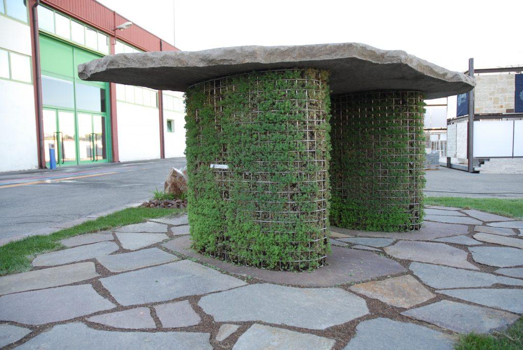 Tavolo in porfido e verde verticale