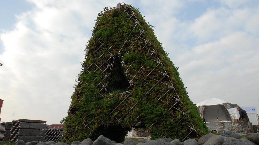 Gabbia in inox con verde verticale