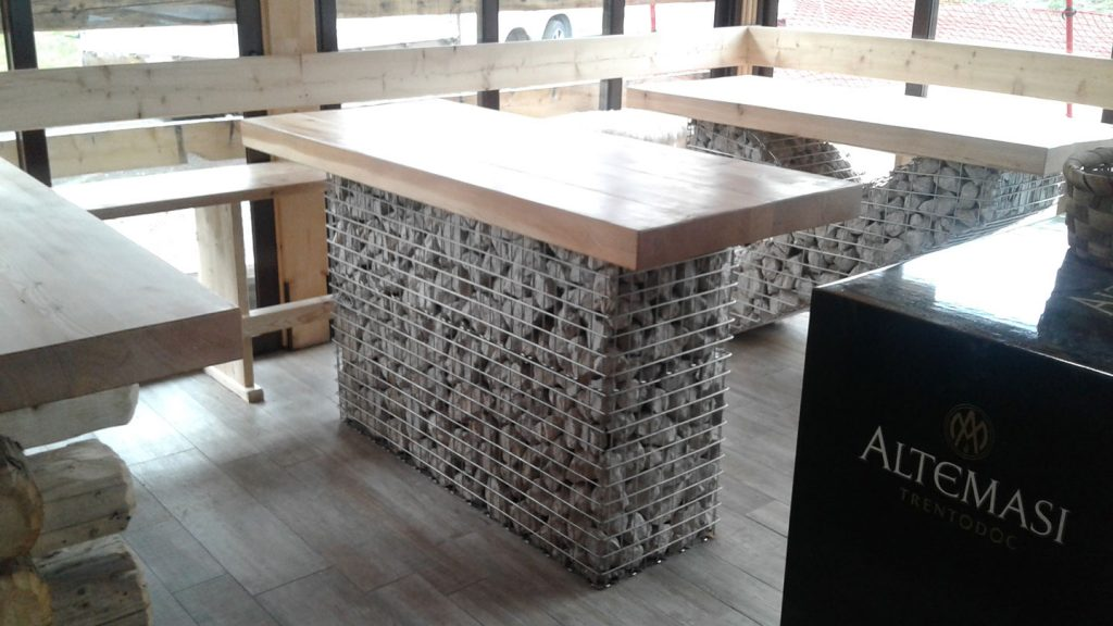 Tavolo ski bar