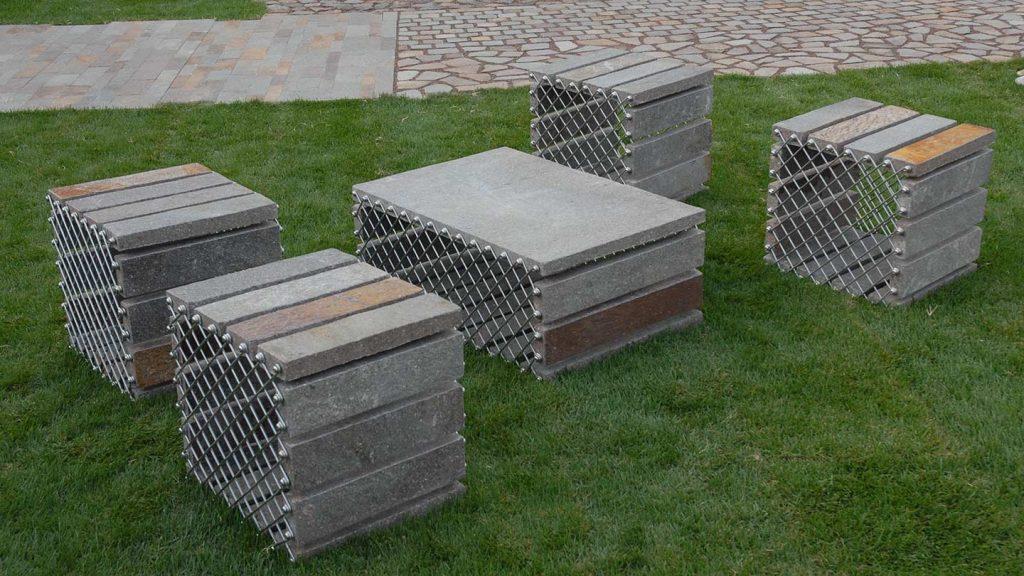Set giardino in acciaio inox e porfido